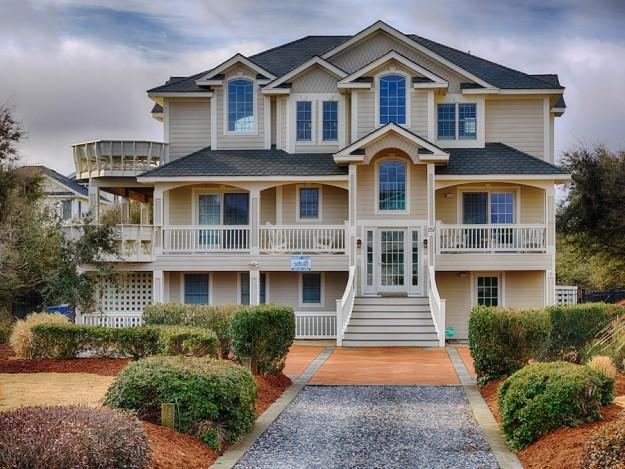 Sandmark custom remodel, image of front exterior of custom built home